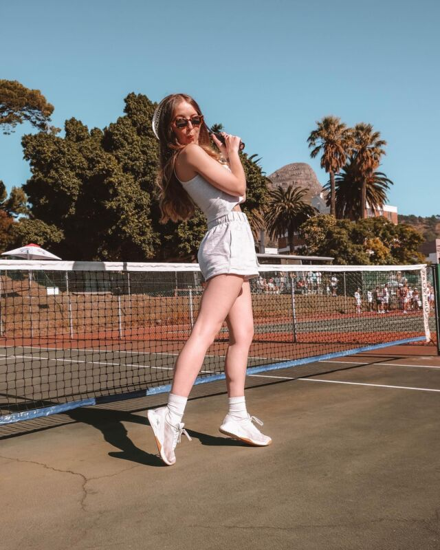 watch out ginbledon, the moon, basically anything else in my field of vision because i have no idea what I am doing 🎾🎾🎾#swipeforsneaks #notapro